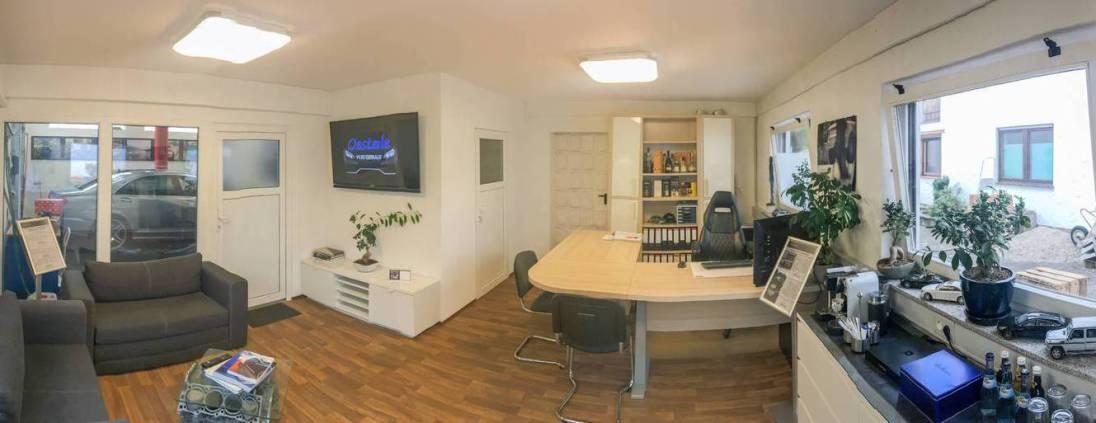 Büro und Kundenbereich